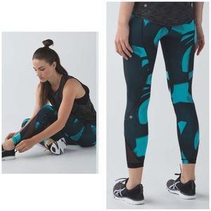 Lululemon run inspire blue patterned leggings 4